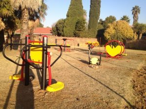 outdoor gym equipment in crystal park buksburg - GAUTENG OUTDOOR GYM