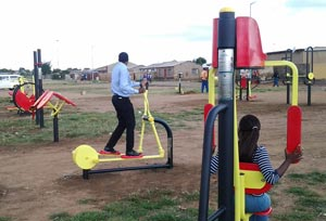 soweto-outdoor-gym-(2)