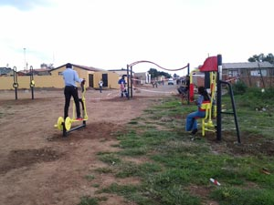 soweto-outdoor-gym-(3)