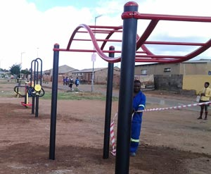 soweto-outdoor-gym-(5)